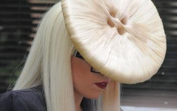 Lady Gaga – Vlasy (4)